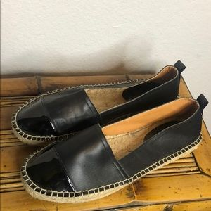 Never worn Kenneth Cole espadrille flats